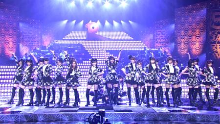 日本レコード大賞受賞前のAKB48のパフォーマンス「フライング・ゲット」3