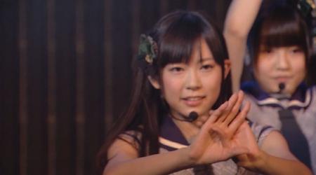 渡辺美優紀さん みるきー、森彩華さん あーにゃん「月見草」NMB48