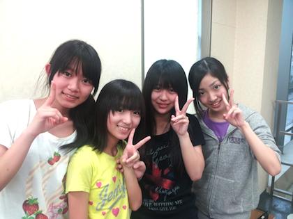 左から、高島祐利奈さん、大島涼花さん、篠崎彩奈さん、相笠萌さん。阿部マリアさんの google+より