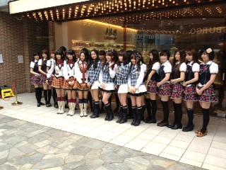 HKT48とカフェっ娘さん達
