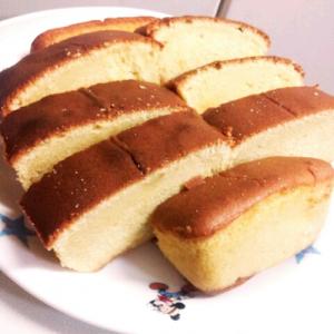 パウンドケーキ作ったつもりがカステラみたいになる不思議w