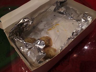 箱いっぱいの小籠包、 もうこんなに食べた…